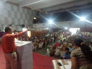 श्री दमनिया सोनी मंडल वलसाड में ता. ०७/10/२०१८ रविवार के दिन आरोग्य सेमिनार लेते हुए डॉ. योगेश वानीजी